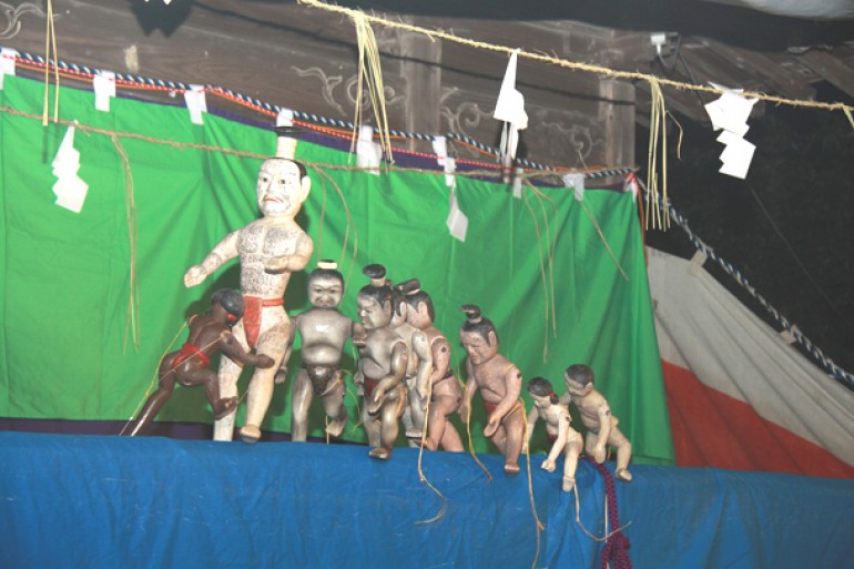 古要神社の傀儡子の舞と相撲