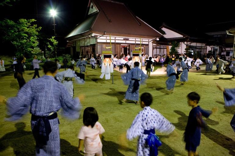 綾渡の夜念仏と盆踊