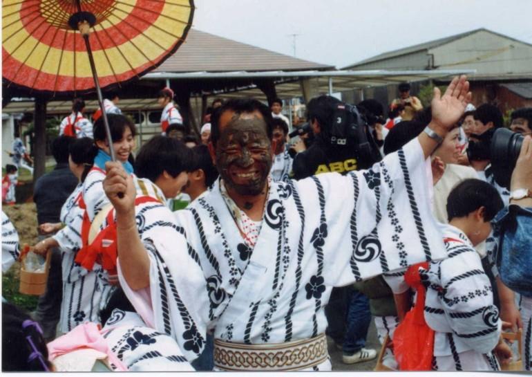 神田祭り(どろんこ祭り) Kamida Festival (Mud Festival)